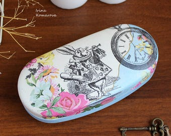 Alice in wonderland Spectacle case, box for glasses, eyewear, eyeglass case, decoupage box, art spectacle, uncommon box, glasses case