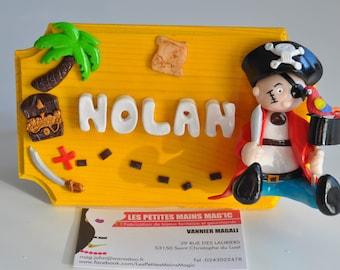Decorative wooden pirate door room boy text customizable Center