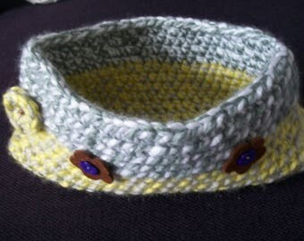 Unique crochet basket bicolor