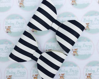 Black and White striped Bow   -Hairbows-Hairbands-Bows-Girls Hairbow
