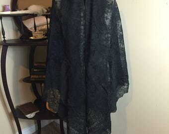 1800's Victorian Black Chantilly Lace Shawl
