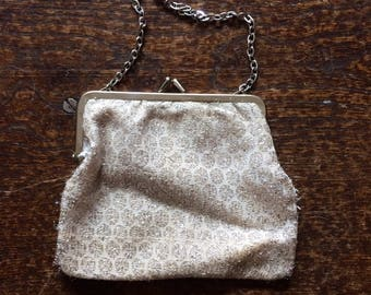 "Vintage 1950s sparkly silver chain handle evening bag. 7"" x 5.5"" chain 11"""
