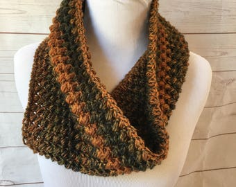 Fall scarf - gifts for her - fall Crochet cowl scarf - chunky cowl - crocheted scarf - winter scarf - thick scarf  - christmas gift for her