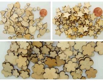 100 découpes bois Embellissements mix tailles 6 à 14mm Coeurs Etoiles ou Fleurs Loisirs créatifs Collage Scrapbooking