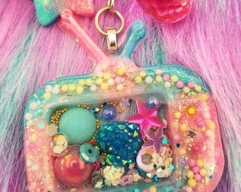 Kawaii Pink and Blue Retro TV liquid-filled Princess Shaker Purse Charm Version 2