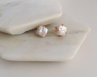 Baroque Pearl earrings. Stud Earrings. Pearl Earrings. Pearl stud earrings.  Unusual Baroque Pearl earrings. Unusual pearls. Gift for her