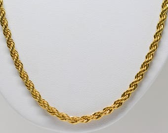 Lovely gold tone rope chain necklace