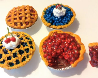 AG Doll Food, Pie fits American Girl Doll, 18 inch Doll Food, Fourth of July Pies, Cherry Pie, Blueberry Pie, Doll Food, Polymer Clay Food