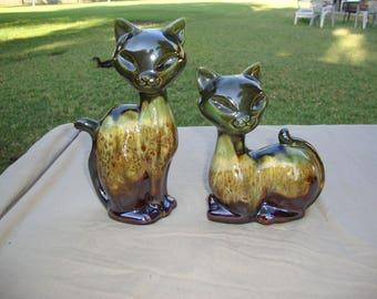 Set of 2 Vintage Kitty Cat Figurines Artist Signed/Maker's Mark