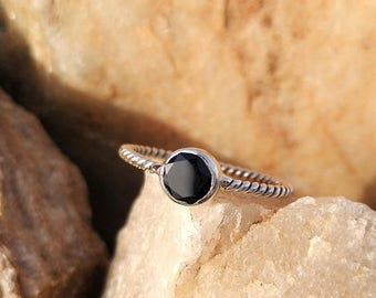 On Sale Natural Black Onyx Twisted Band Handmade Ring - 925 Sterling Silver