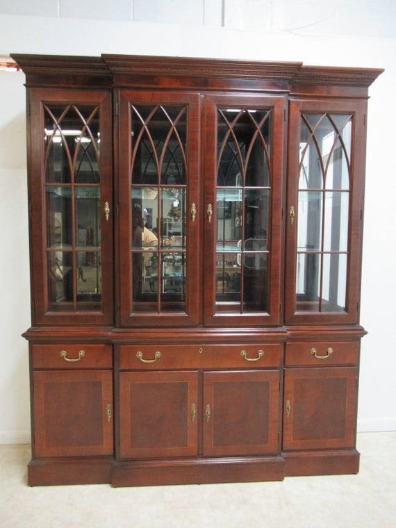 Ethan Allen 18th Century Mahogany China Cabinet Breakfront Hutch Chippendale