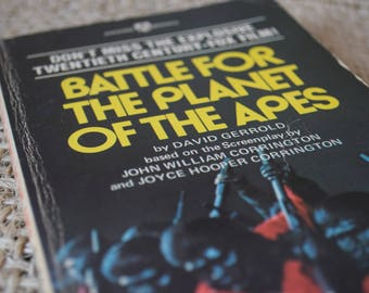 Battle for the Planet of the Apes. Award Books Paperback book of the film by David Gerrold