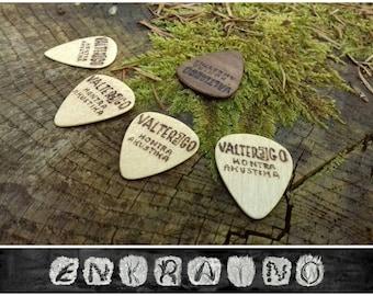 5 WOODEN GUITAR PICKS/Guitar pick/Personalized guitar pick/Guitar picks personalized/Guitar pick custom/Wooden guitar pick/Wooden picks/