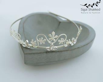 Bridal Headpiece, Silver Bridal Crown. Laurel Leaf Crown, Wedding Headpiece, Silver Leaf Headband, Silver Crystal Headband, Boho, Bohemian