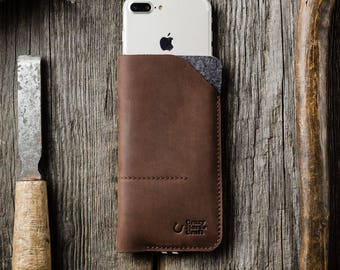 Leather iPhone 7 plus case, sleeve, wallet with cardholder. Wool felt and Handmade crazy horse brown leather. Vintage style.