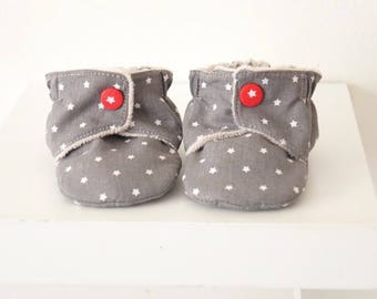 Grey star, 6-9 month baby booties