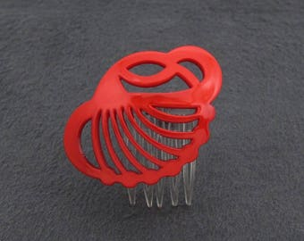 SMALL vintage 80's side hair comb, pearly red-orange cellulose acetate cutout seashell scallop, made in France, new-old-stock