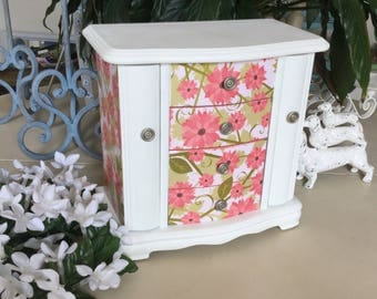 Vintage Wooden Jewelry Box  / Shabby Chic Painted Jewelry Box  / OOAK Designer Jewelry Chest / Decoupaged Upcycled Jewelry Armoire