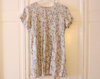 Mini babydoll dress vintage Liz Clairborne / Lizwear floral w/ powder blue background & blue, yellow flowers w/ green stems / leaves