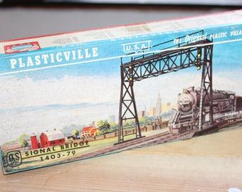 Plasticville Signal Bridge Railroad Accessory -- Bachmann Brithers -- O, S Gauge -- Snap Fit, Train, Diorama, Railroad