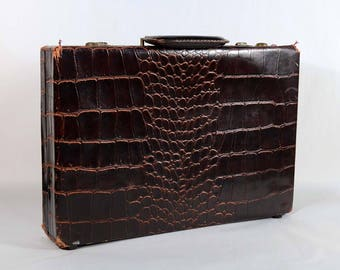 Vintage Leather Alligator Pattern Briefcase Doctors Bag, Distressed Aged Leather Attache Display Costume Prop #2