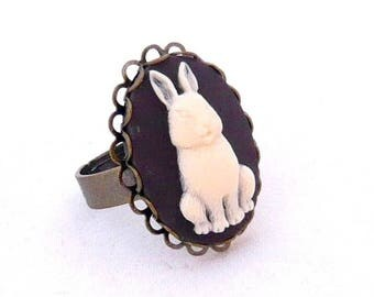 Rabbit vintage alice bunny 18x25mm cameo ring