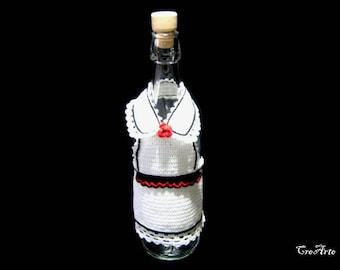 White crochet cover for wine bottle, waitress  wine cozy, copribottiglia bianco per bottiglia di vino all'uncinetto