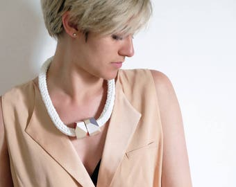 Jane | modern bold necklace wood pendant