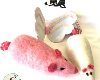 Pink Cat Toys,Pink Mother and White Daughter Mice Set, Angel Wings Cat Collar, Needle Felted Toys, Cat Stuff, Cat Novelties, Felt Cat toys