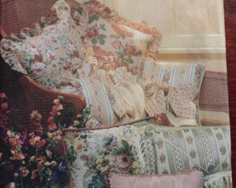 Home Decor pillows and cushions Vogue pattern