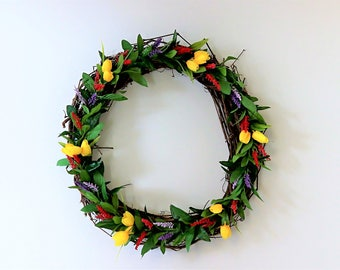 "24"" Greenery & Mini Tulip Wreath"