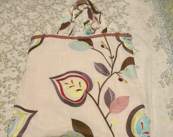 A Ladies Shopping/Beach Bag With inside pocket