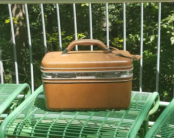 Tan/brown profile 2 Samsonite  train case/travel case/make-up/case storage 1960's