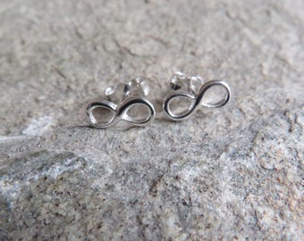 925 Sterling silver infinity stud earrings