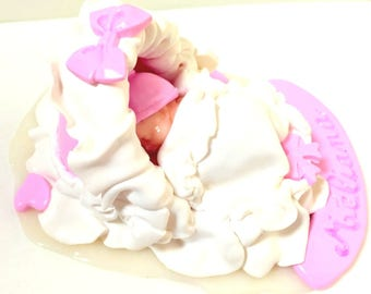 baby shower decorations-deco table-baptism-baby fille-fimo-handmade-couffin-rose-blanc-cake toppers-personalized-new-born-birthstone