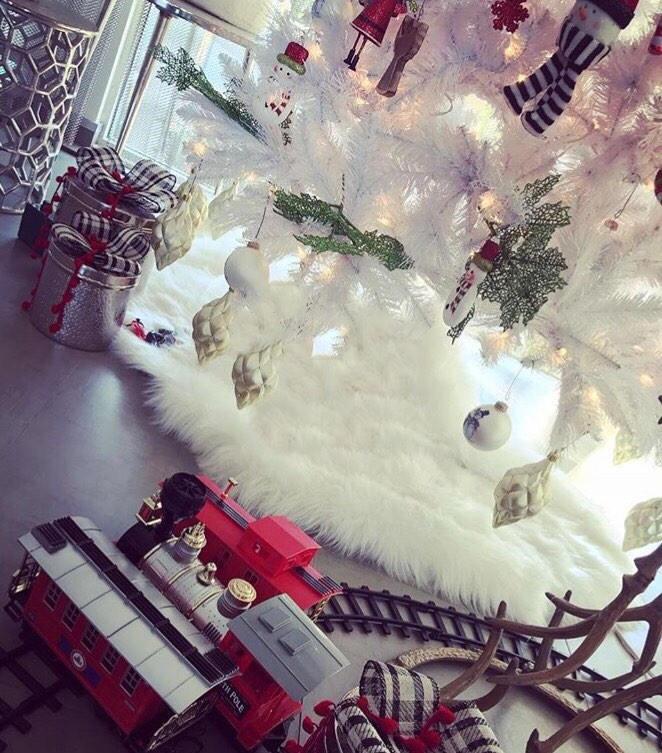 Faux fur Christmas tree skirt, white faux fur tree skirt, fur tree ...