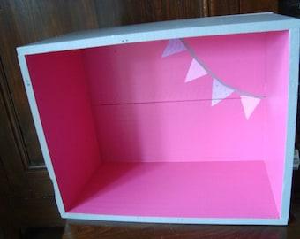 Rack shelf pink grey flags