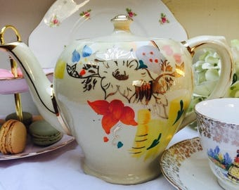 Gorgeous Ivory Floral Vintage English Teapot