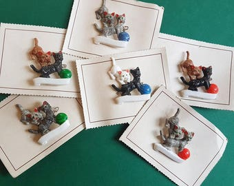 Vintage Kitties brooch - more colours!