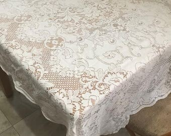 """Beautiful Vintage Lace Rectangle Table Cloth Off White Lace for Table of 4 Chairs Table Linen 72""""x 51"""""""