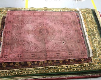 Antique style rug 100% wool oriental pattern red color warm vintage rug old small rug rarity carpet retro suitable for home and restaurant.