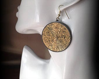 Earrings large gold and Black circles very light