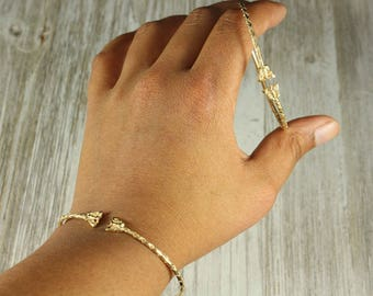 080 10K Yellow Gold Butterfly West Indian Bangle
