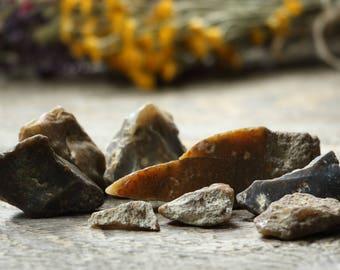 8 pebble flint stones raw minerals fire stones healing stones chakra stones raw stones healing gifts healing gemstones healing properties