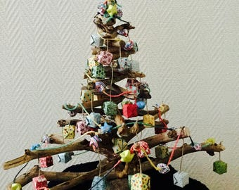Driftwood Christmas tree and decorations so Japanese origami