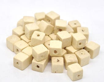 30 beads 10mm wood, Cube shaped