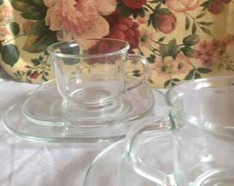 Sale !!! Stunningly simple glass Arcoroc  france 8 piece set/ vintage Arcoroc glass