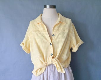 Vintage cotton eyelet button down blouse/shirt/top made in USA women's size S/M