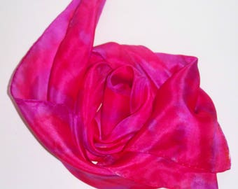 "handpainted Silkscarf ""Shibori in magenta and purple"" in Shiboritechnique, square, small, Nicki, silk, wearable art, unique, handpainted"