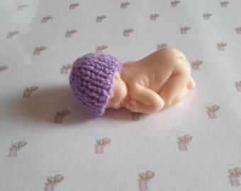 Miniature baby bonnet in handmade fimo purple knit